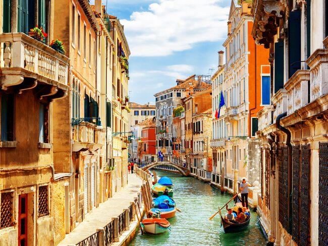 Venedig förbjuder alla nya snabbmatsrestauranger.