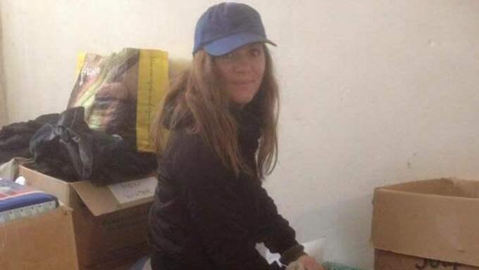 Att sortera kläder och förnödenheter är en del av arbetsuppgifterna för en volontär, berättar Joanna Lindberg, som arbetar med flyktingar på grekiska ön Kos. Foto: Privat