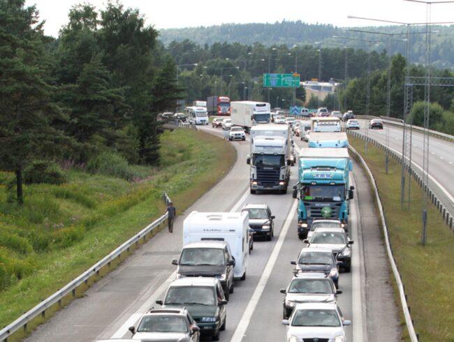 Fotgangare dodad av lastbil