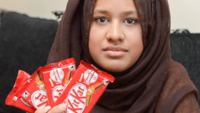 Saima Ahmad menar att hon blivit vilseledd av tillverkaren, eftersom hon inte fick kex i sina Kitkat. Foto: Bulls