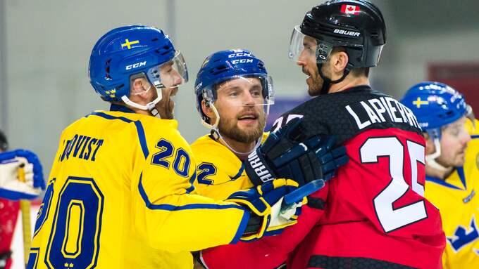 Det blev grinigt i OS-genrepet mellan Tre Kronor och Kanada. Foto: PETTER ARVIDSON / BILDBYRÅN