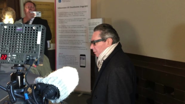 Jean-Claude Arnault anländer till tingsrätten