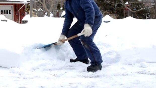 Smarta tricket – så skottar du snö lekande lätt