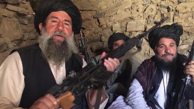 Bilderna visar: Putin kan ha beväpnat talibaner
