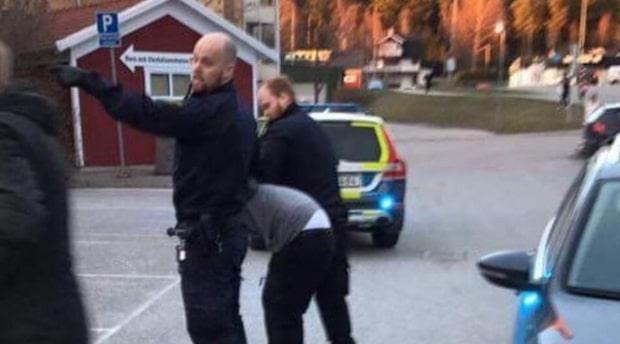"""Polisen: """"Försöker reda ut händelseförloppet på plats"""""""