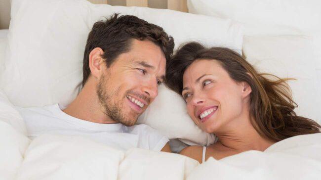 """<span>Kama Sutra handlar om hur man ska närma sig varandra i närhet, intimitet och njutning som är mer än sex"""" menar sexologen Suzanne Lindström.</span>"""
