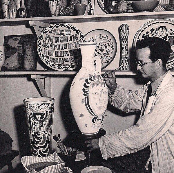 Stig Lindberg, född 17 augusti 1916 i Umeå, död 7 april 1982 i San Felice Circeo-Terracina Italien, var en svensk formgivare, huvudsakligen inom området keramik.