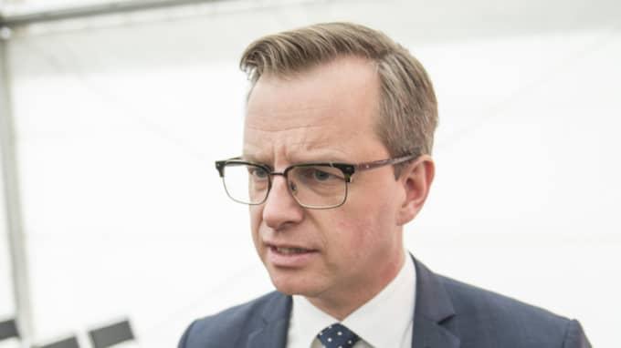 """Näringsminister Mikael Damberg om siffrorna: """"Det är ingenting man kan vara nöjd med. Vi har haft en väldigt stökig parlamentariskt situation. Det har också drabbat regeringen."""" Foto: Tomas Leprince"""