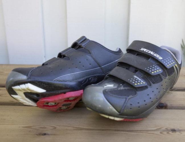 """<strong></strong>1. Ett par hårda skor. """"Cykelskor är perfekta och skönast att cykla i."""""""