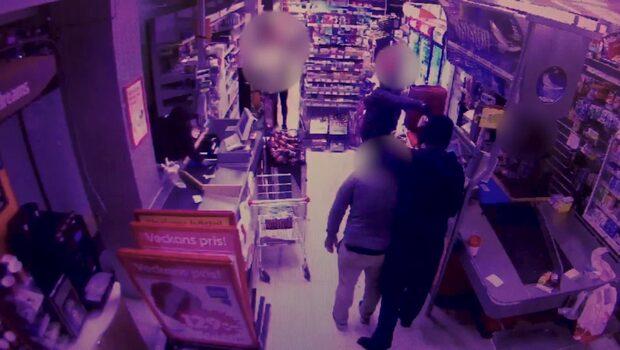 Här tar rånarna gisslan när de rånar Ica-butiken