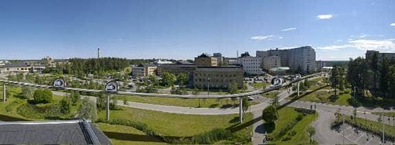 Så här kan det komma att se ut vid Samverkanshuset i Umeå om spårtaxiprojektet SkyCab blir verklighet. Foto: Foto: Samuel Bengtson Illustration: Mats Falk
