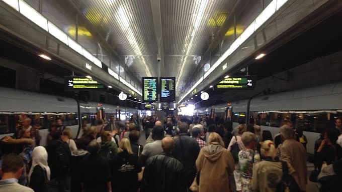 Ett tåg med skadad strömavtagare har orsakat stora störningar i tågtrafiken. Bilden är från ett tidigare tillfälle. Foto: FREDRIK SAMUELSON