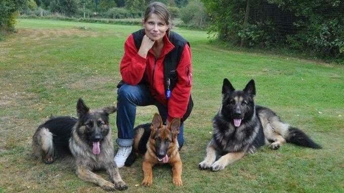 Theresa Lindahl är utbildad hundpsykolog. Foto: Johanna Strandenklint