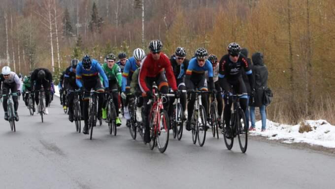På delar av banan på Kinnekulle var det så mycket snö att tävlingen fick ställas in. Foto: Mikael Larsson