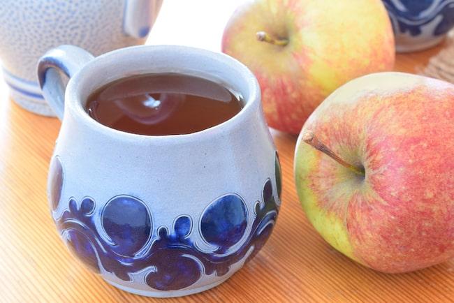Visste du att din vackra keramik-kopp kan innehålla giftiga metallen bly som sedan lösgörs i din varma dricka?