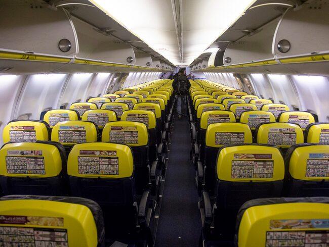 Ett flygplan som skulle till Thessaloniki fick i stället landa i Rumänien, 80 mil bort.