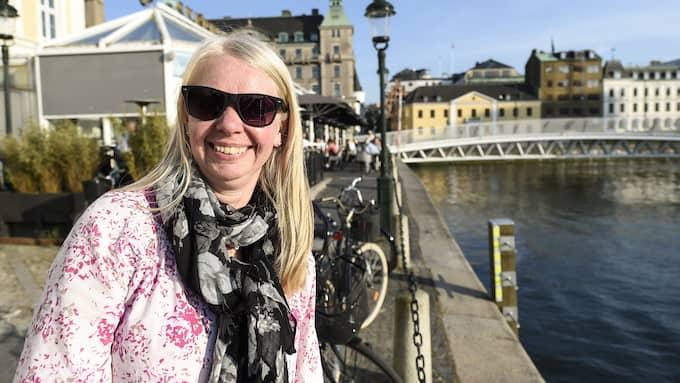 """Kristina Ferm, 50, ekonom, Malmö: """"Då gäller uteservering och rosévin med trevligt sällskap. Sen längtar man alltid till stranden i Åhus vid stugan"""". Foto: JENS CHRISTIAN"""