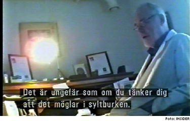 Inför tv-programmet Insiders dolda kamera ordinerar alternativläkaren Erik Eneby bland annat pepparrot till en kvinna som säger sig ha cancer i lymfkörtlarna.