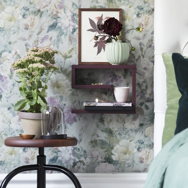 Här tapeten Marianne Slate ur kollektionen Jardin des plantes, 885 kronor per rulle, Designers guild.