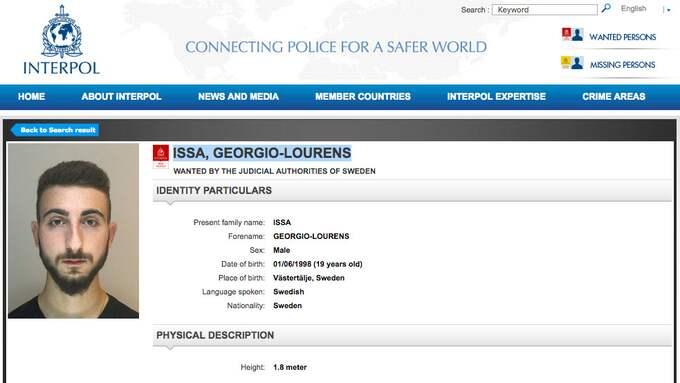Nu är han internationellt efterlyst av Interpol. Foto: INTERPOL