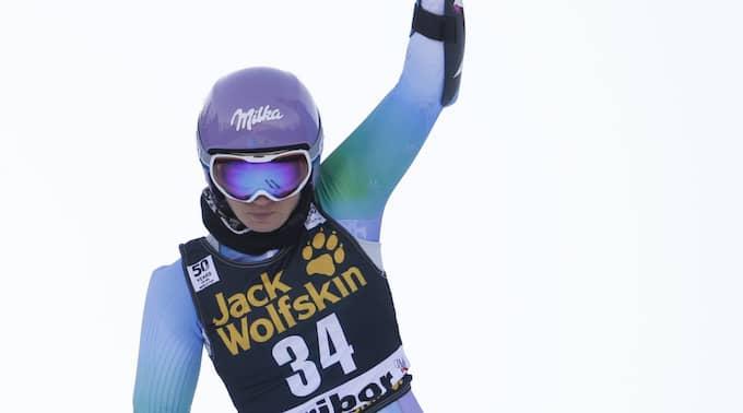 Tina Maze gjorde sin sista tävling inför hemmapubliken. Foto: Marco Trovati / AP TT NYHETSBYRÅN