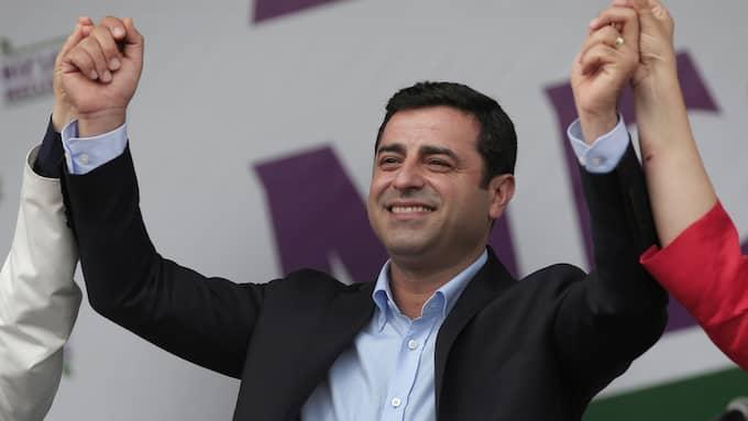 Selahattin Demirtas är ledare för det kurdiska partiet HDP och motståndare till Erdogan. Han sitter fängslad sedan november. Foto: LEFTERIS PITARAKIS