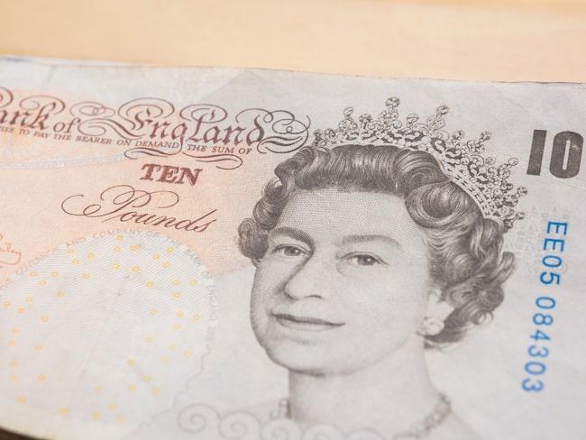 Den 1 mars 2018 är det den nya tiopundssedeln gäller i Storbritanniens butiker.