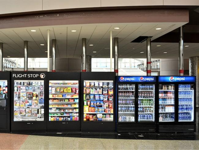 Från den 20 augusti kommer vattenflaskorna i plast vara borttagna från automater, restauranger och kaféer.