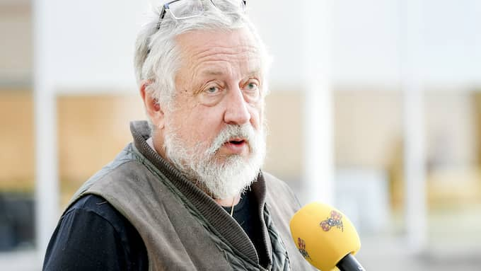 Kriminologiprofessorn menar att man skrämmer upp poliser i onödan efter attacken mot en polis bostad i Västerås. Foto: Alex Ljungdahl