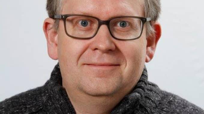 Trafikforskaren Jörgen Lundälv vid Umeå Universitet föreslår bland annat att polisen sätter in helikopter oftare i jakten på brottslingar på vägarna. Foto: Göteborgs Universitet