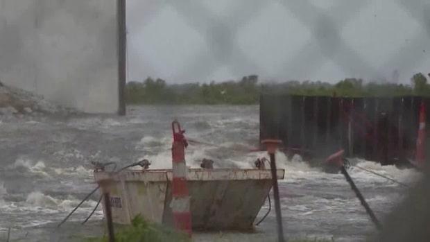Så slår tropiska stormen Barry mot USA