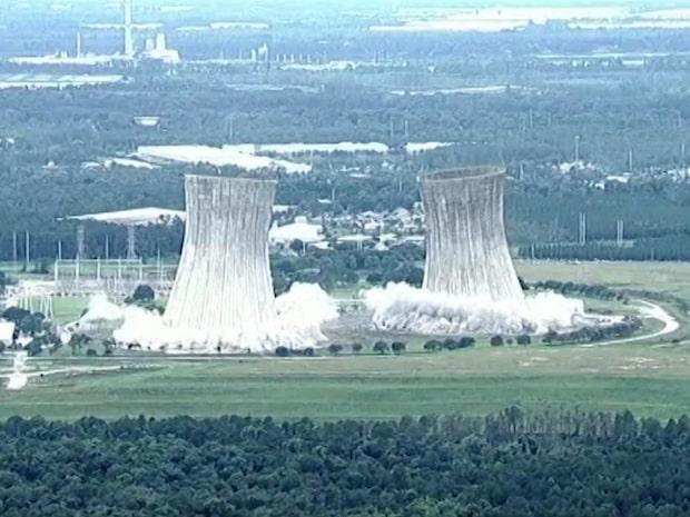 Här sprängs tornen på kraftverket i Jacksonville