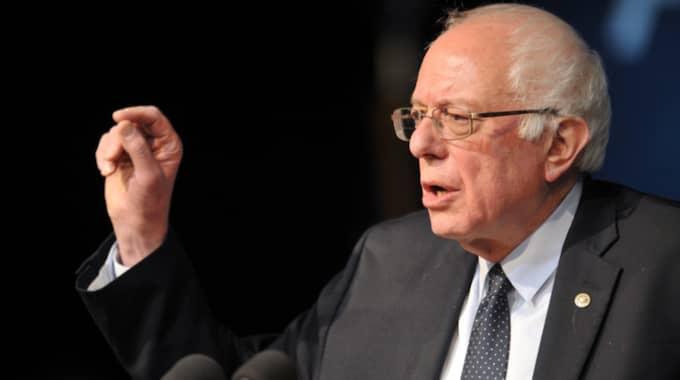 Rivalen Bernie Sanders får 39 procent av rösterna i mätningarna. Foto: Phil Mcauliffe