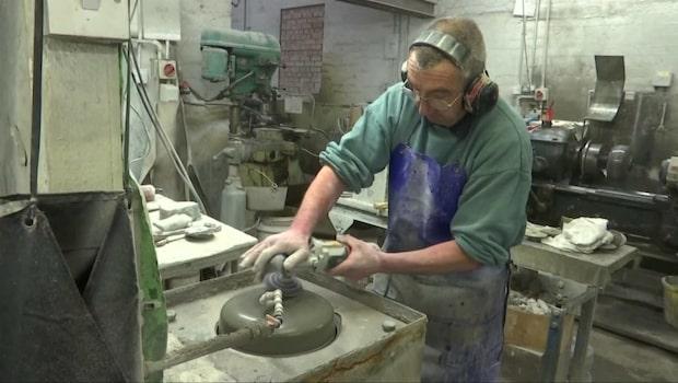 Här tillverkas alla(!) curlingstenar till OS