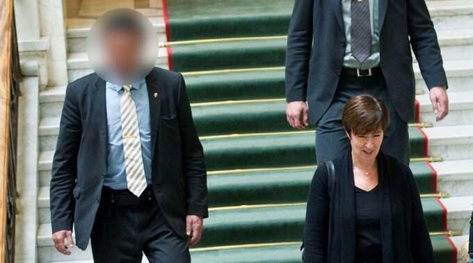 Expressen kunde tidigare avslöja att Mona Sahlin förfalskat löneintyg till sin livvakt.