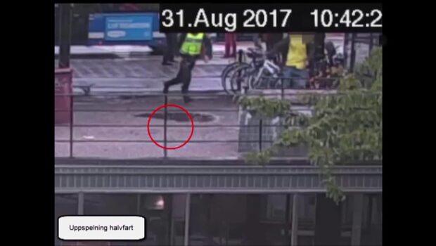 Här flyr mannen efter knivattacken på polisen