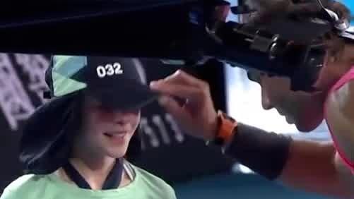 Stjärnans chock – när han träffar flickan i ansiktet