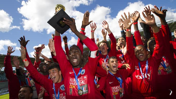 Paris FC firar Gothia Cup-seger mot Cruzeiro. Foto: MICHAEL ERICHSEN / BILDBYRÅN / MICHAEL ERICHSEN © BILDBYRÅN