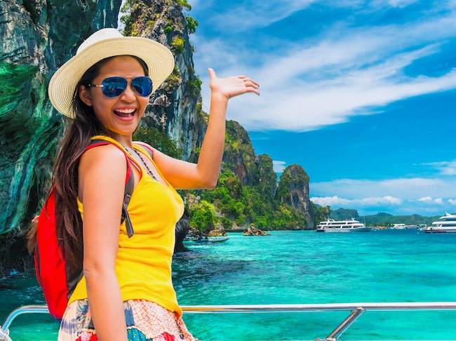 Den lyckligt lottade ska resa runt och berätta om det lokala och okända Thailand.