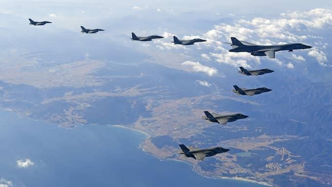 Sydkoreanska stridsflyg under övning. Foto: SOUTH KOREA DEFENSE MINISTRY / HANDOU / EPA TT NYHETSBYRÅN