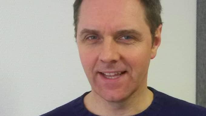 Patrik Westerkull, forskare och civilingenjör från Göteborg har varit med och tagit fram en ny hörapparat som inte kräver operation av implantat. Foto: Otorix
