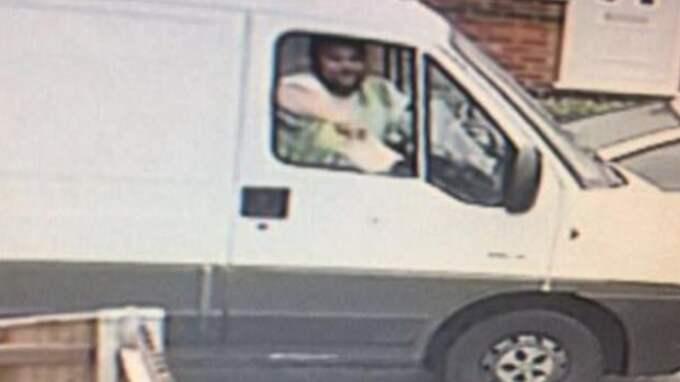 Mannen i bilen lockade barnen med munkar. Foto: Facebook