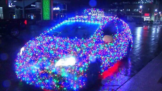 Taxin är som en rullande julgran - dekorerad med 11 000 lampor