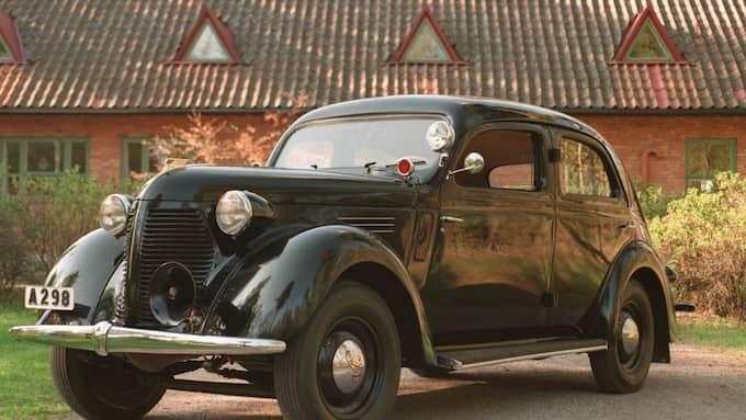 Volvo, årsmodell 1939, användes som polisbil när den var ny. Foto: KENNETH JONASSON