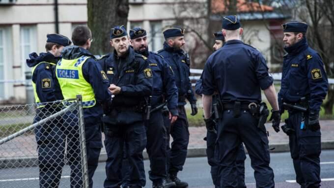 Av de hundra poliserna är hälften nyutexaminerade poliser som lovats regionen från högsta ort. Foto: Christian Örnberg