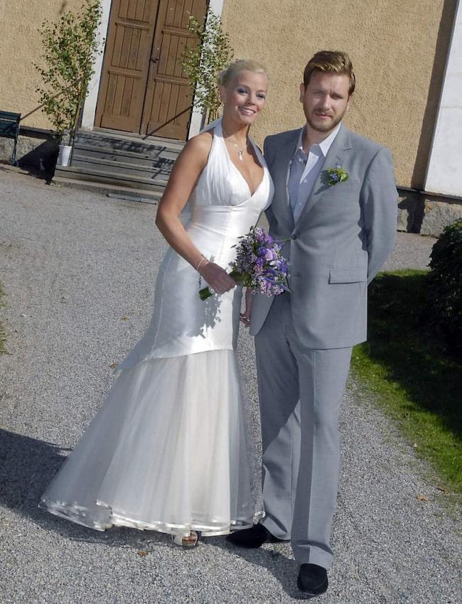 Gry och maken Alex Kossek gifte sig i Sala på Sätra brunn 2007.