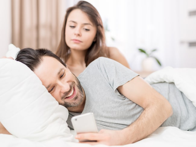 Enligt en ny studie så ljuger män och kvinnor av olika anledningar.