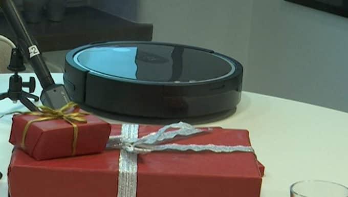 Årets julklapp, robotdammsugaren, döms redan ut av pr-branschen.