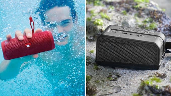 Under vatten eller på stranden. Tänk på att leta efter vattentåliga högtalare om du ska använda dem utomhus.