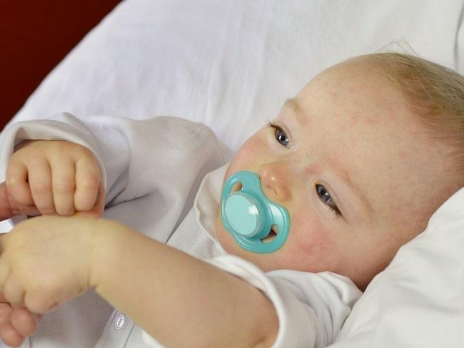 Förutom plötslig och hög feber kan tredagarsfeber leda till utslag.